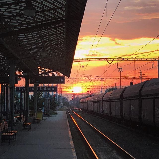 ? ? ? ? ? ? ? #railwaystation #lysanadlabem #sunset (@katkamarinic)