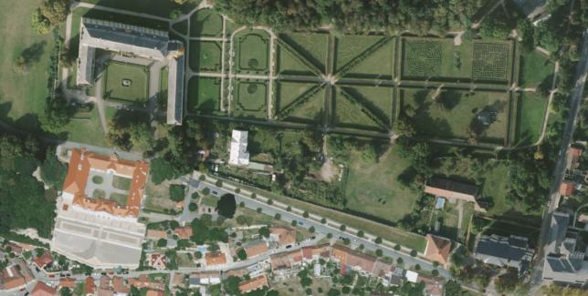 Zámecký park v Lysé nad Labem