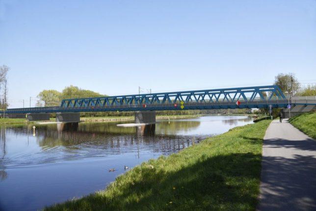 Rekonstrukce mostu u Čelákovic