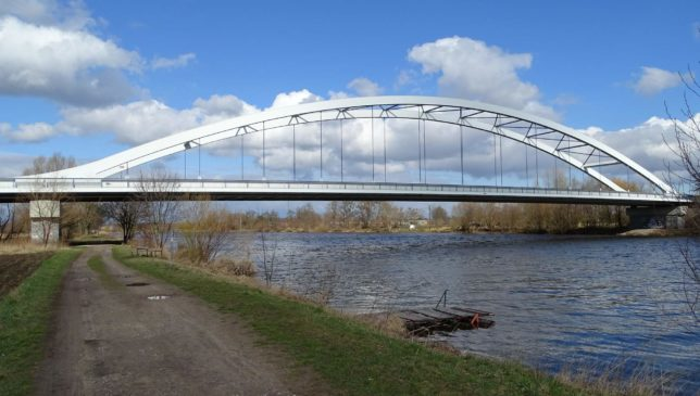 Uzavírky_Most_Bohumila_Hrabala