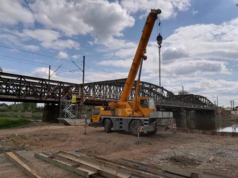 Železniční most u Čelákovic